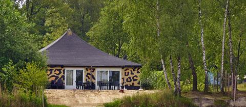 Impressie van deze 16-persoons bungalow op Vakantiepark Beekse Bergen