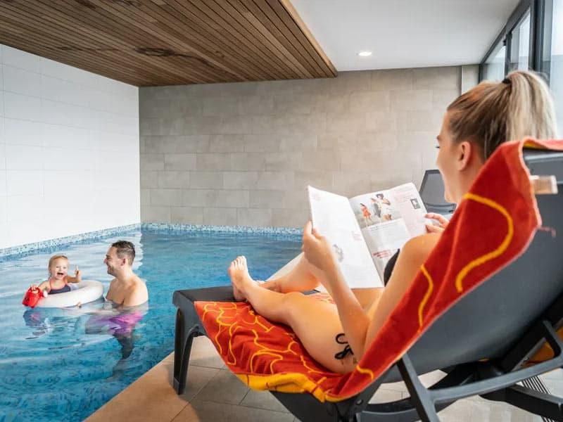 Luxe familievilla met eigen zwembad op Villapark de Koog