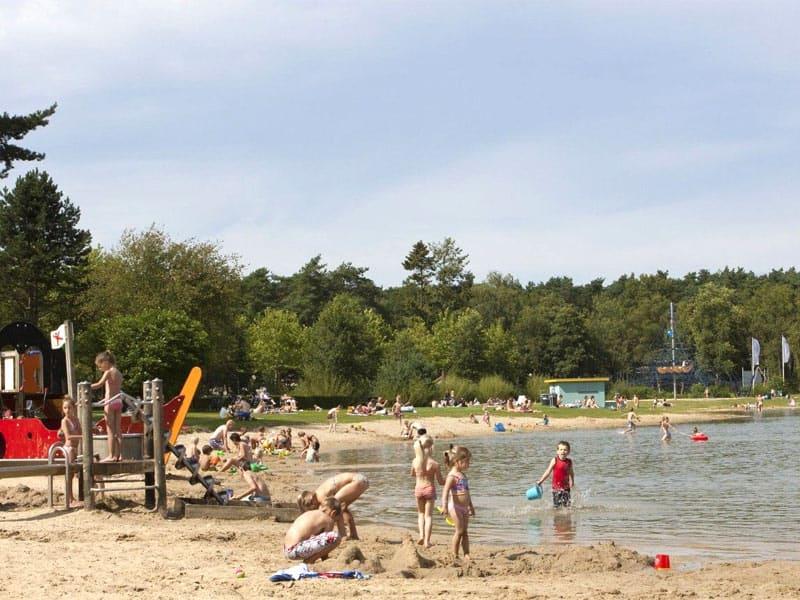 Strand en natuurbad op Droompark de Zanding