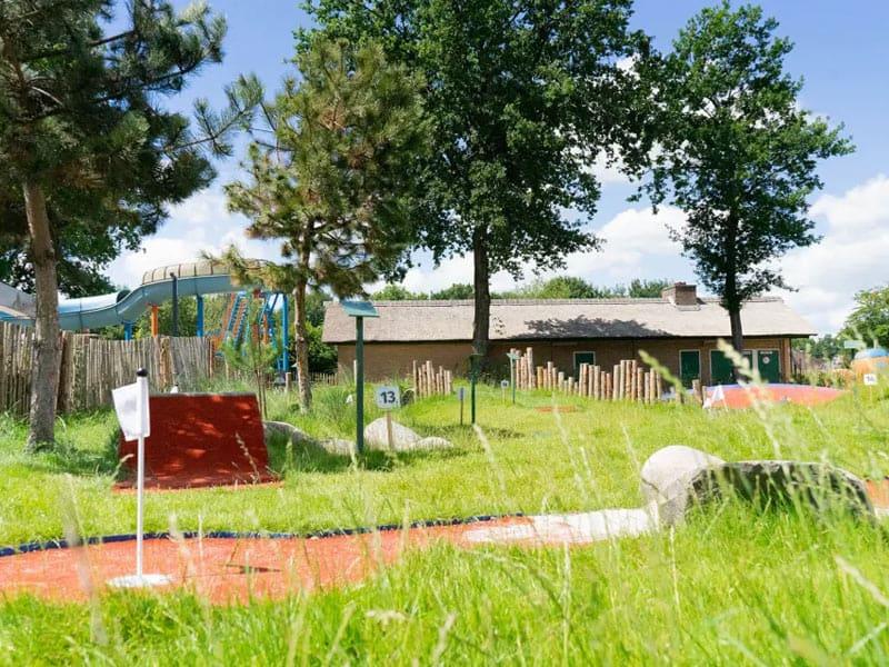 Een foto van de midgetgolfbaan op het resort