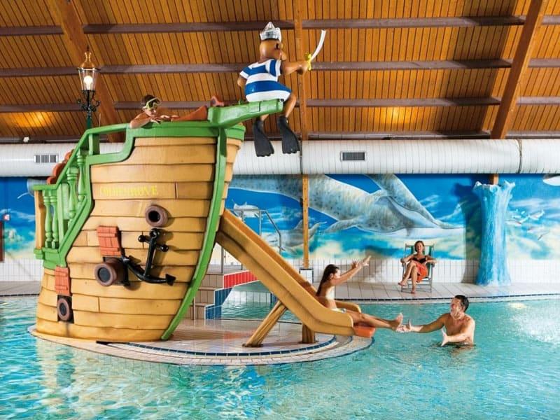 Impressie van het overdekte zwembad op Landal Coldenhove
