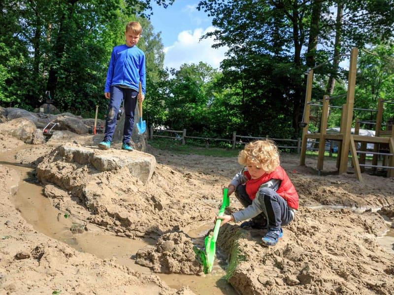 Foto van spelende kinderen op TopParken Resort Veluwe, een familiepark in Garderen