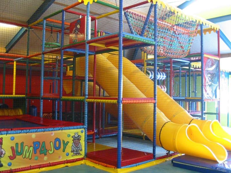 De indoor speeltuin op Krieghuusbelten  in Raalte