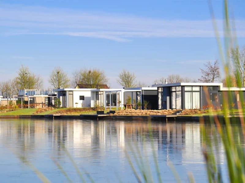 Impressie van de luxe accommodaties op EuroParcs Resort Veluwemeer