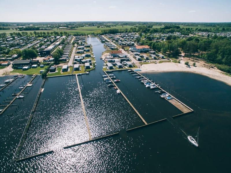 Impressie van de jachthaven aan het Veluwemeer